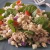 Салат из шпината и сушеного тунца